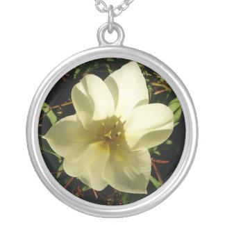 Novia blanca del tulipán colgante redondo