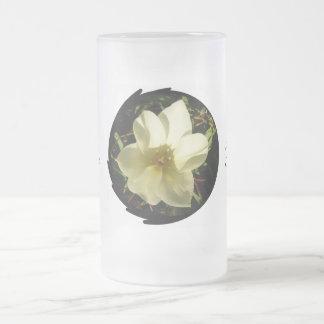 Novia blanca del tulipán taza de cristal