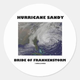 Novia de Sandy del huracán de Frankenstorm Etiqueta Redonda