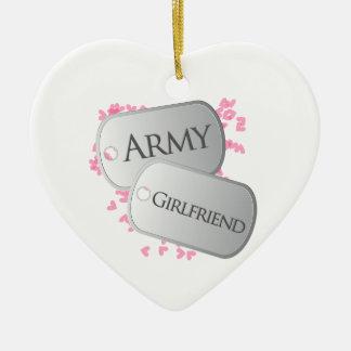 Novia del ejército adorno navideño de cerámica en forma de corazón
