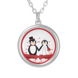 Novia del pingüino y collar lindos del boda del no