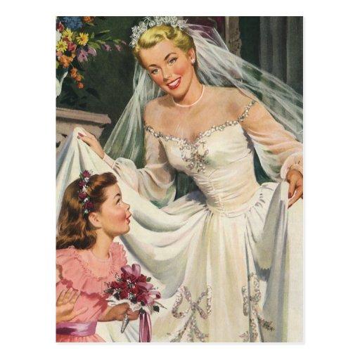 Novia del vintage con el florista en su día de postal