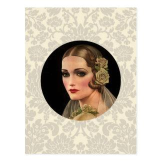 Novia del vintage con los rosas postal