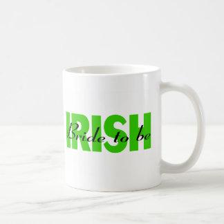 Novia irlandesa a ser taza de café