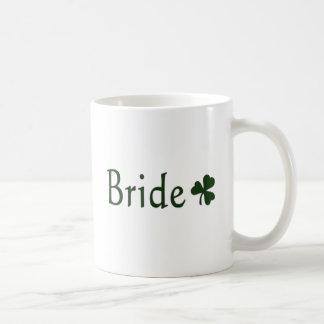 Novia irlandesa taza básica blanca