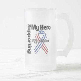 Novia - militar que apoya a mi héroe taza de cristal