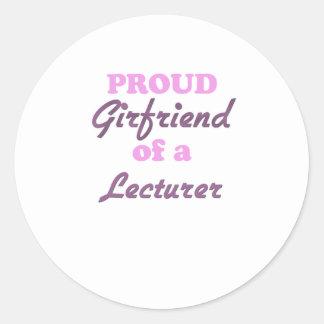 Novia orgullosa de un conferenciante pegatina redonda
