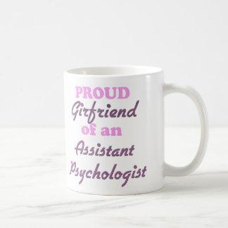 Novia orgullosa de un psicólogo auxiliar
