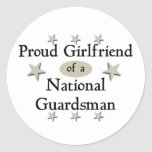 Novia orgullosa de un soldado de la guardia nacion pegatina redonda