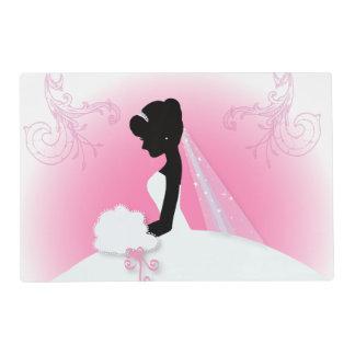 novia rosada linda moderna de la silueta de la salvamanteles