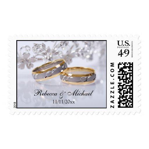 Novia y alianza de boda del platino y del oro del sello postal
