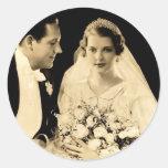 Novia y novio del boda del vintage pegatina redonda