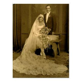 Novia y novio del boda del vintage postales
