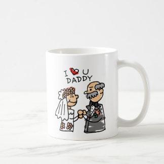 Novia y padre el día de boda antes de la ceremonia taza de café