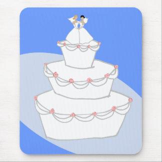 Novias del pastel de bodas dos alfombrillas de raton