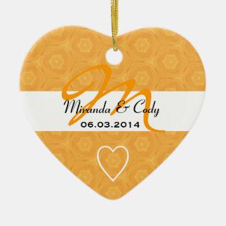 Novio brillante de la novia del monograma del oro  adorno