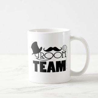 Novio del equipo - sombrero de copa, monóculo taza básica blanca