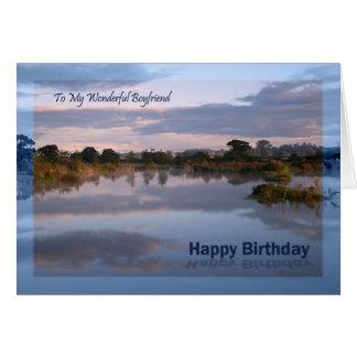 Novio, lago en la tarjeta de cumpleaños del