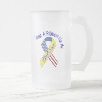 Novio - llevo un patriótico militar de la cinta taza de cristal