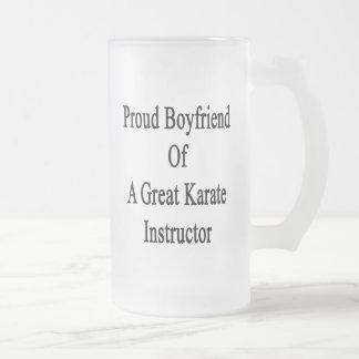 Novio orgulloso de un gran instructor del karate taza cristal mate