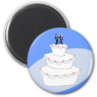 Novios del pastel de bodas dos imán redondo 5 cm