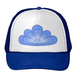 Nube azul con sonrisa en blanco gorro de camionero