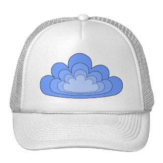Nube azul en el fondo blanco gorro