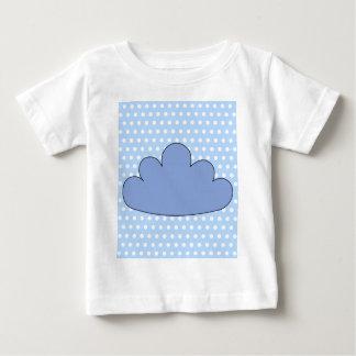 Nube azul en puntos de polca azules y blancos tshirts