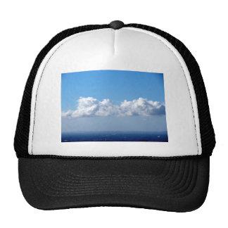Nube blanca 24 gorros bordados