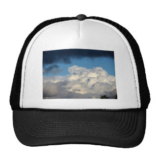 Nube blanca 38 gorros bordados