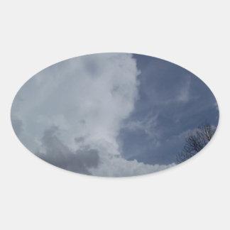 Nube de cumulonimbus de Hailmaker Pegatina Ovalada