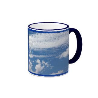 Nube de la espina de pez taza