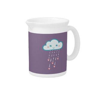 Nube de lluvia azul feliz que llueve corazones jarra de beber