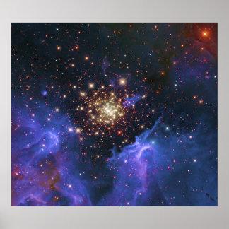 Nube del cúmulo de estrellas que brilla y del gas  posters