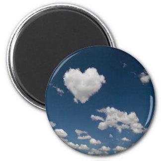 Nube en forma de corazón imán redondo 5 cm