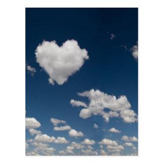 Nube en forma de corazón postal