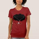Nube negra con auriculares de botón camiseta