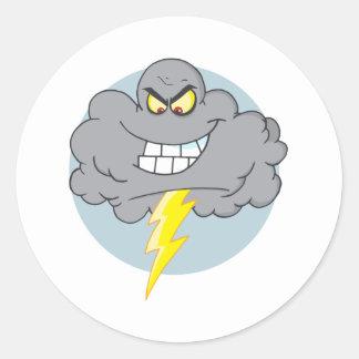 Nube negra del dibujo animado con el relámpago pegatina redonda