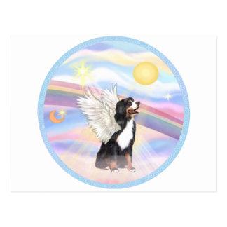 Nubes - ángel del perro de montaña de Bernese Tarjetas Postales