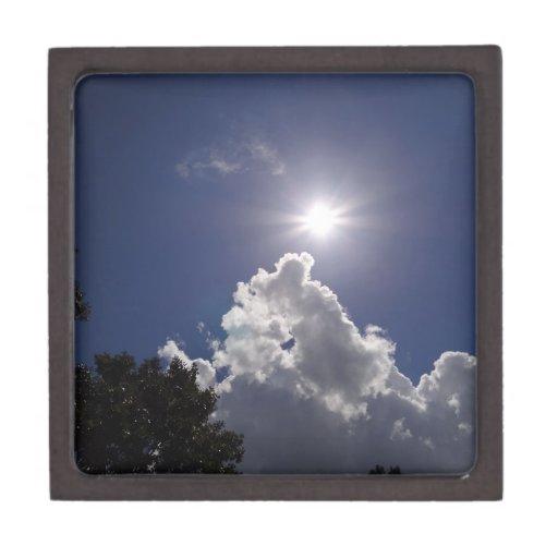 Nubes blancas mullidas del resplandor solar del UF Cajas De Joyas De Calidad
