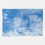 Nubes blancas mullidas toallas de cocina