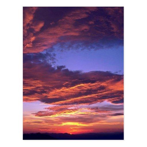 Nubes coloreadas postales