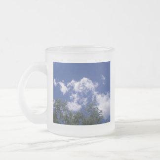Nubes con la taza de las copas