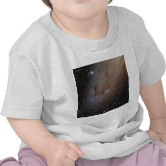 Nubes de estrella del Andromeda Camisetas