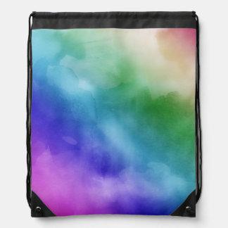 Nubes de la acuarela en tonalidades del arco iris mochila