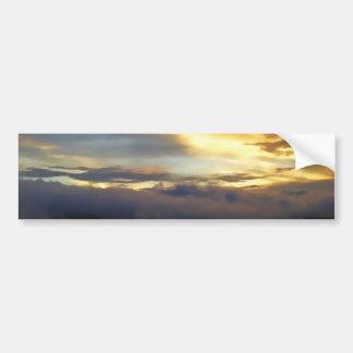 Nubes de la puesta del sol en la ventana de dios pegatina para coche