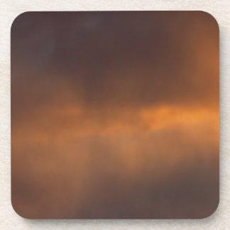 Nubes de la puesta del sol posavasos