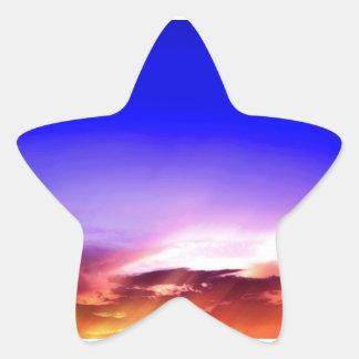 Nubes de la puesta del sol y cielo azul pegatina forma de estrella personalizada
