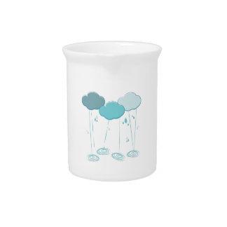 Nubes de lluvia jarras de beber