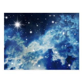 Nubes de noche estrellada tarjeta postal